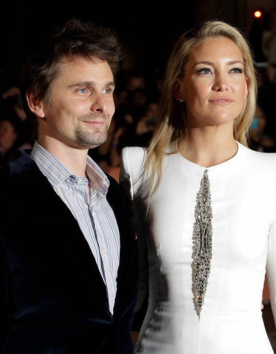 Před Evans žil Bellamy s Kate Hudson.