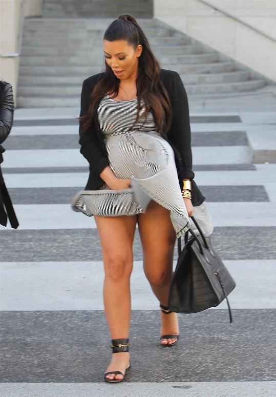 Kardashian pozlobil větřík.