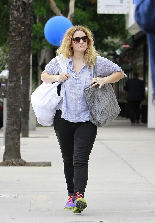 Drew Barrymore na cestě z fitka