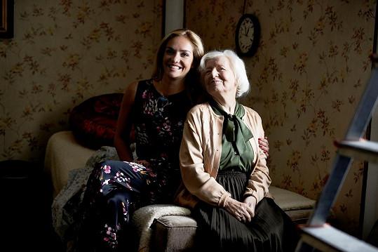 Táňa má k seniorům velmi blízko také díky své milované babičce Květě.