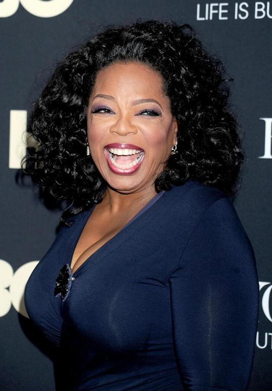 Oprah rozhodně má důvod k úsměvu.