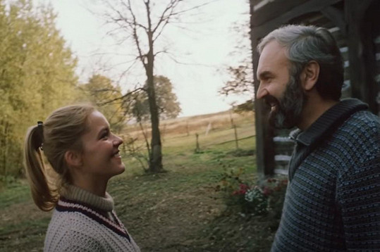 Zdeněk Svěrák a Ivona Krajčovičová jako Bohouš a Tereza