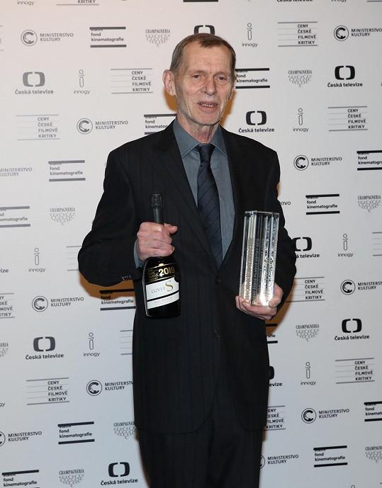 Jiří Schmitzer převzal ocenění za film Staříci.
