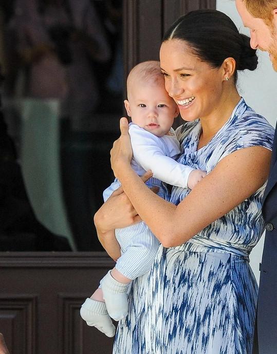 Vévodkyně vymazala svá křestní jména ze synova rodného listu ve prospěch titulů.