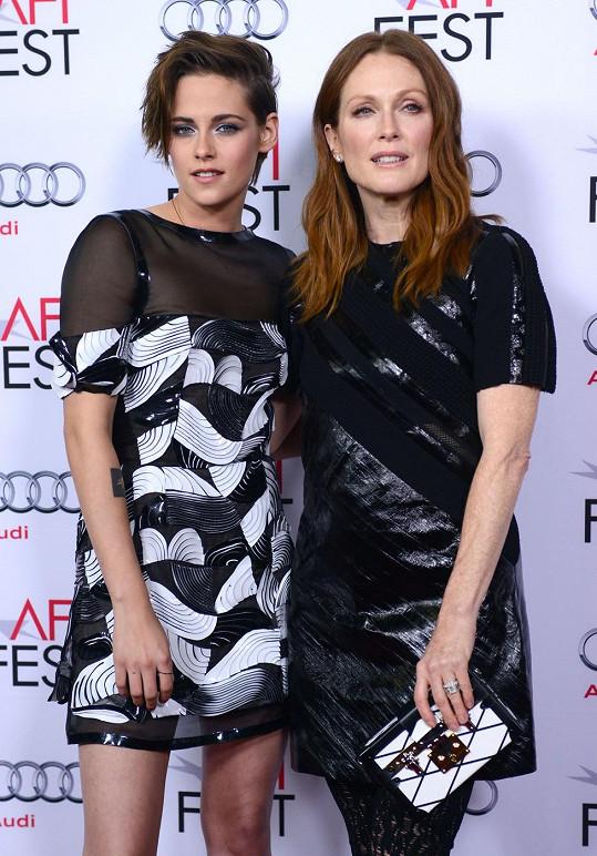 Julianne Moore a Kristen Stewart si zahrály ve filmu Still Alice.