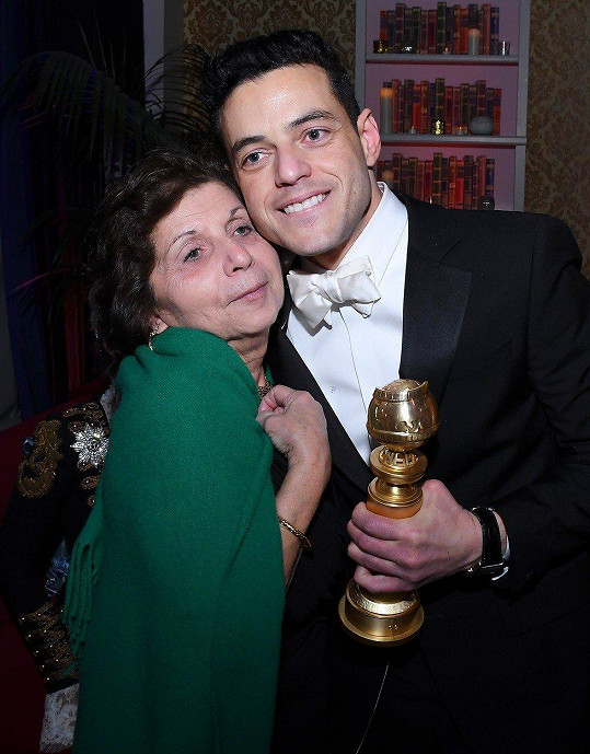 Rami Malek s maminkou Nelly, která je jeho největší fanynkou.