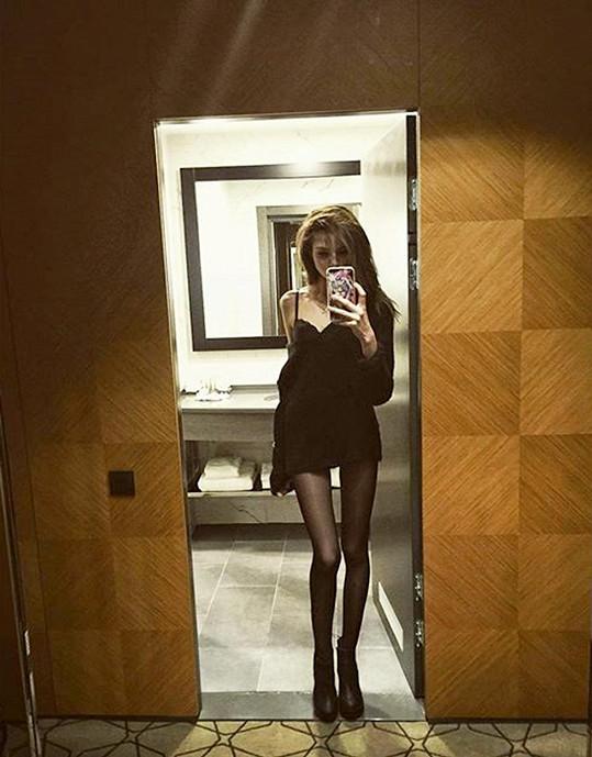 Dcera tenisty Jevgenije Kafelnikova prý váží 47 kilogramů, což je pro modelky normální váha.