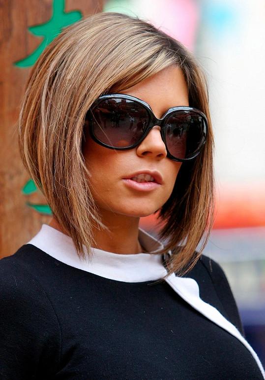 Ne, tohle skutečně není Victoria Beckham.