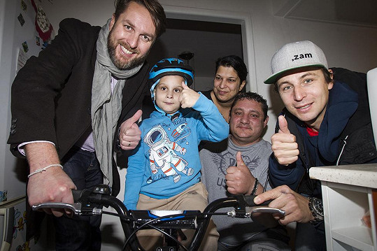 Tomáš Hauptvogel potěšil malé pacienty.