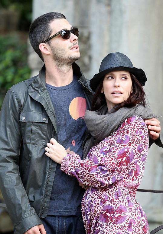 Jennifer Love s manželem Brianem Hallisayem
