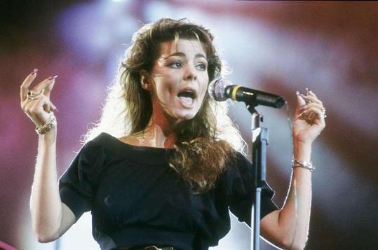 Její hity v 80. letech kralovaly diskotékám.