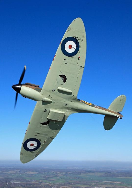 Herec si pořídil jeden z legendárních letounů Spitfire.