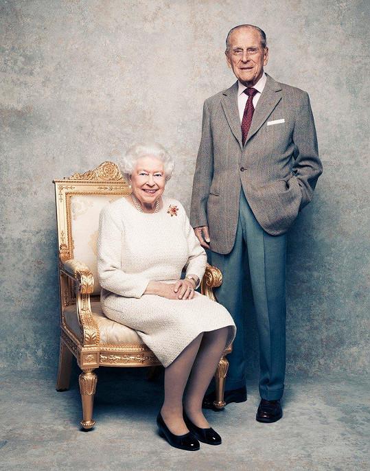 Alžběta II. a princ Philip jsou svoji již 70 let.