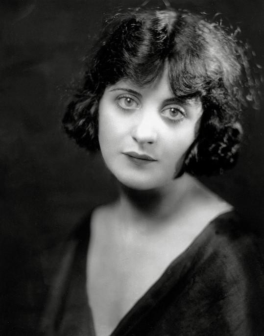 Virginia Rappe zemřela na prasklý močový měchýř.