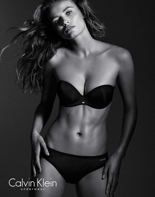 Edita jako tvář kampaně Calvin Klein