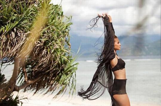 Z dovolené na Bali se pochlubila touto vzpomínkou.