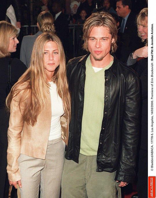 Jennifer Aniston s prvním (ex)manželem Bradem Pittem, za kterého byla provdaná pět let.