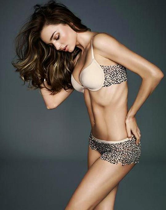 Australská kráska je tváří nového katalogu spodního prádla.