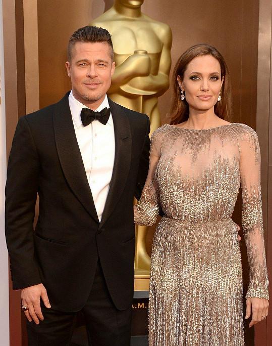 Angelina a Brad se rozvádějí od září 2016.