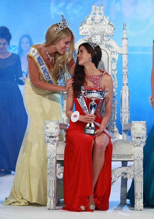 Svou následovnici korunovala loňské vítězka Kirsty Heslewood.