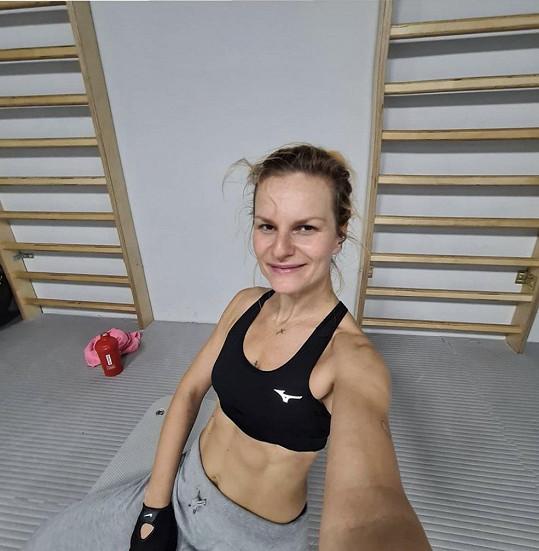 Iva Pazderková má za pět týdnů závody.