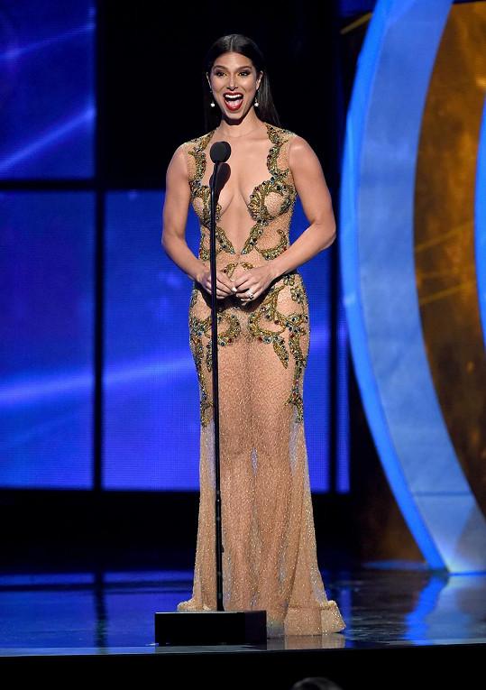 Portorické herečce Roselyn Sanchez odvaha opravdu neschází.