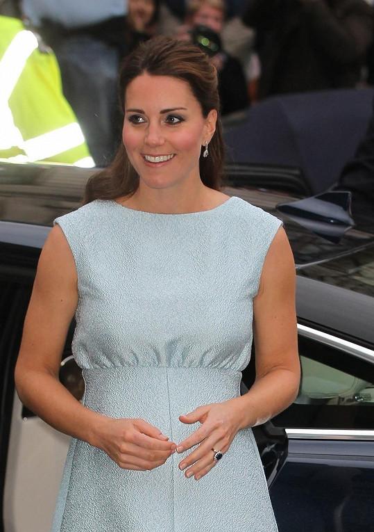 Vévodkyně z Cambridge se zaoblila i v obličeji.