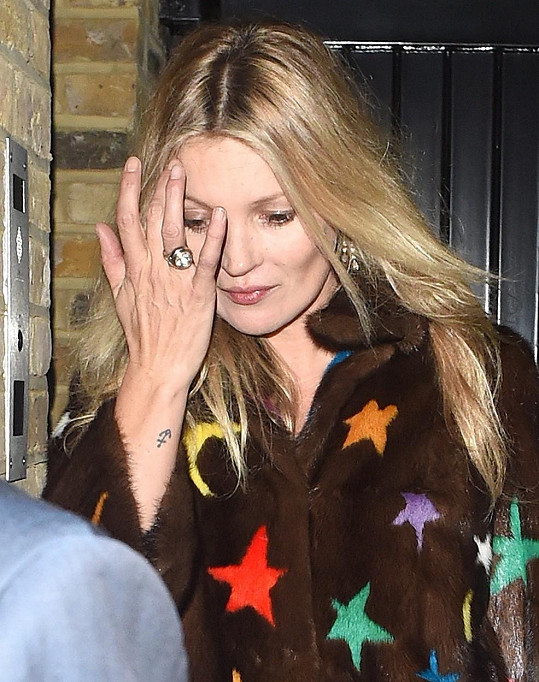 Modelka Kate Moss (43)