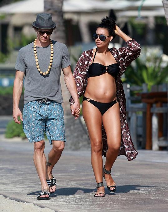 Budoucí rodiče odjeli relaxovat na Havaj.