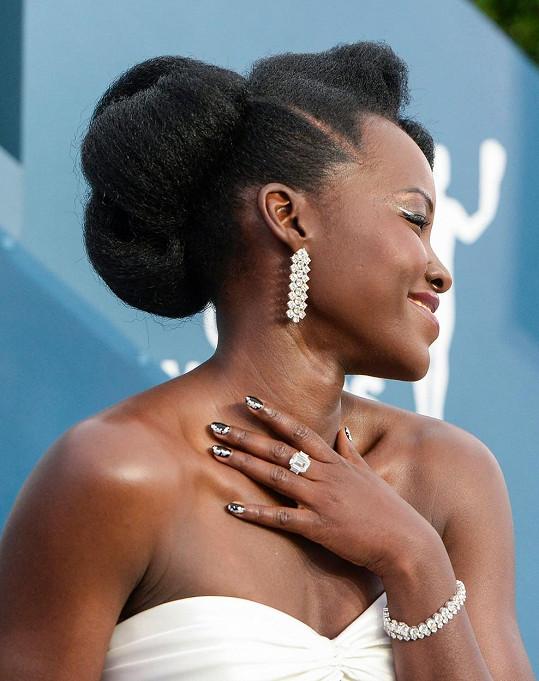 Herečka vynesla šperky za 79 miliónů.
