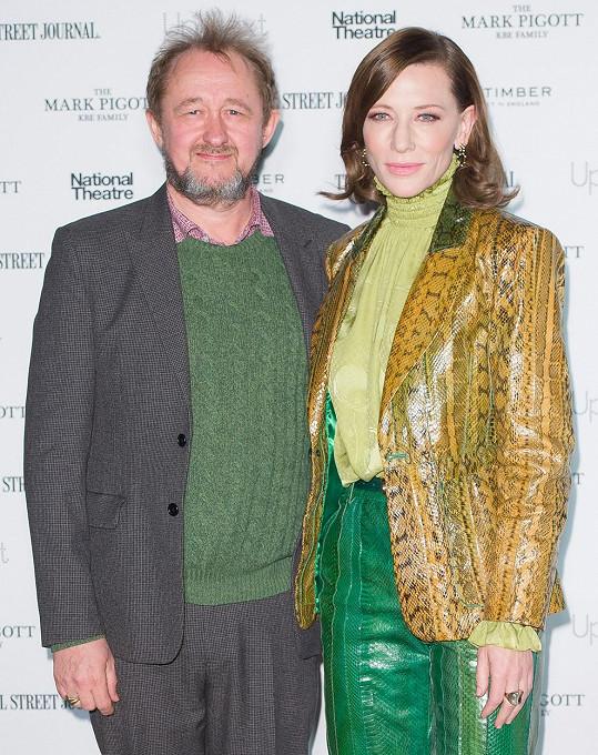 Blanchett a Upton žijí v Sydney a vychovávají čtyři děti.