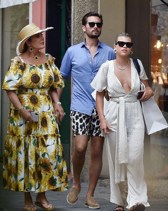 Sofia s partnerem Scottem Disickem a Kris Jenner