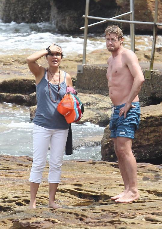 Simon Baker s manželkou Rebeccou Rigg
