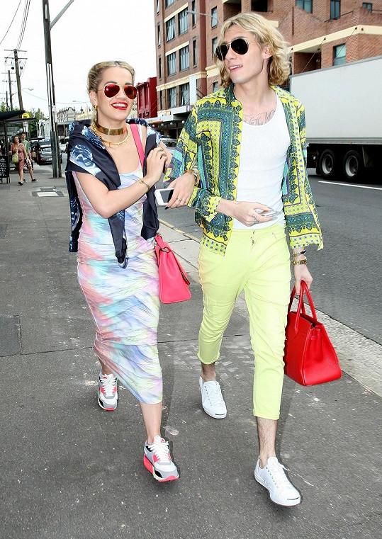 Rita na nákupech se svým stylistou.