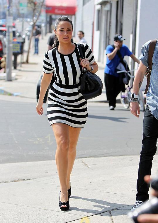 Tulisa Contostavlos se procházela po Los Angeles.