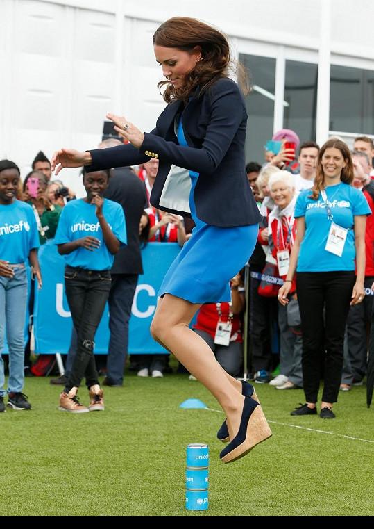 Vévodkyně z Cambridge si v Glasgow vyzkoušela oblíbenou dětskou hru.