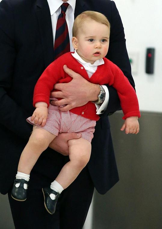 Roztomilý princ v náručí otce Williama