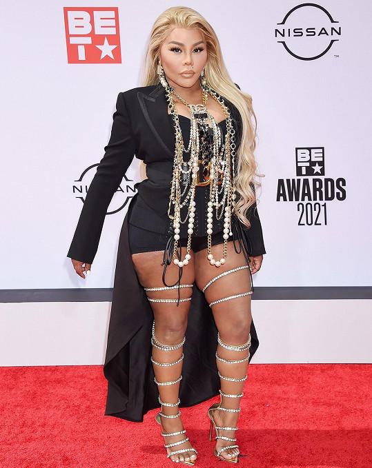 Kontroverzní rapperka Lil´ Kim za pár dní oslaví 47. narozeniny.
