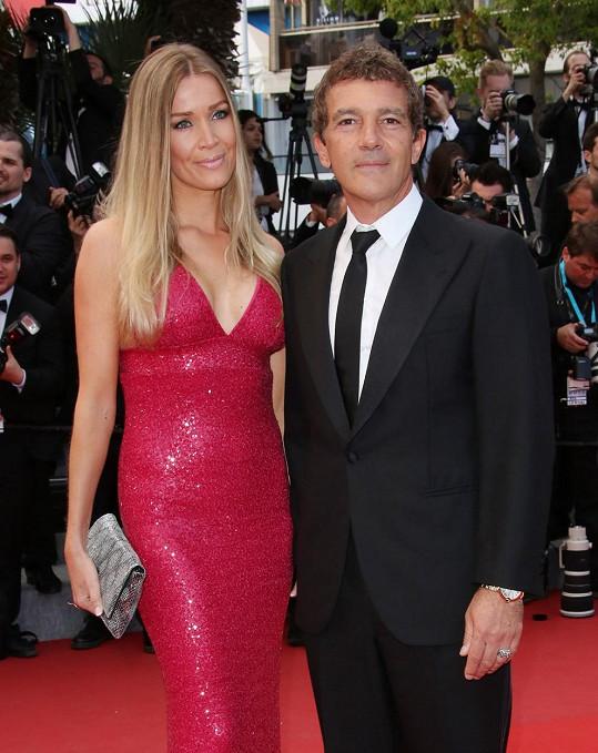 Antonio Banderas vzal svou partnerku Nicole Kempel do Cannes.