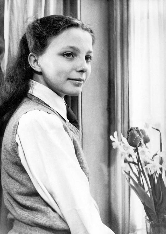 Takhle vypadala Joan v roce 1947. Bylo jí čtrnáct.