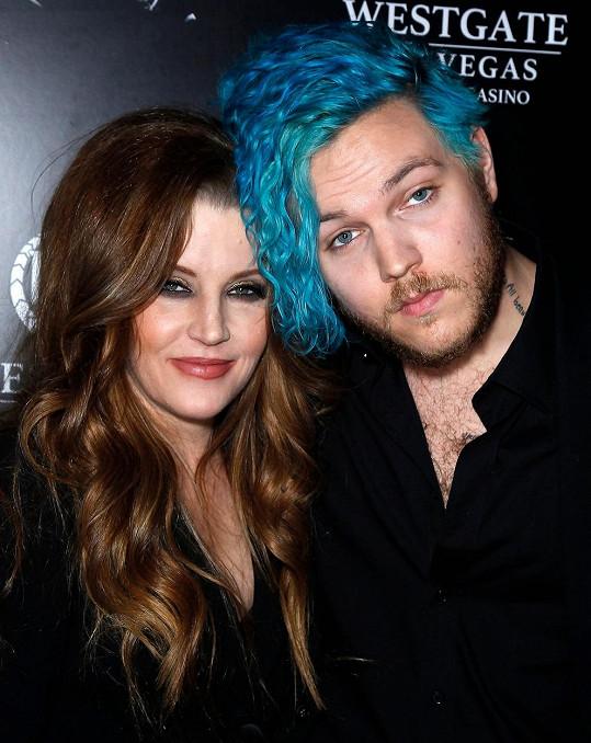 Lisa Marie Presley se synem Benjaminem, který loni spáchal sebevraždu.