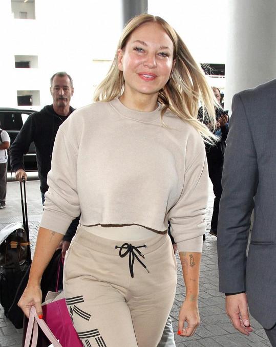 Zpěvačka Sia udělala v předvečer Dne díkůvzdání štědré gesto. Lidem v obchoďáku zaplatila jejich nákupy.