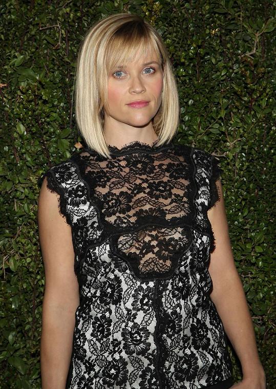 Reese Witherspoon překvapila průhledným topem.
