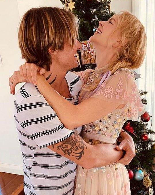 Nicole Kidman v náruči manžela Keitha Urbana