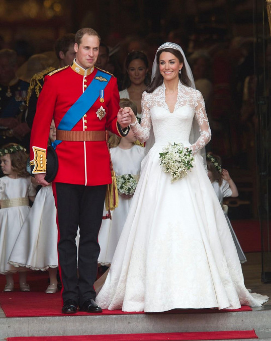 Svatební zvony se Williamovi a Kate rozezněly přesně před čtyřmi lety.