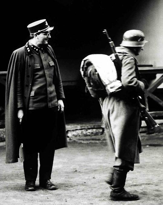 Josef Somr jako Ladislav Hubička v oscarovém snímku Ostře sledované vlaky