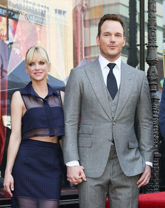 Pratt s exmanželkou Annou Faris. Předloni se rozešli, loni rozvedli.