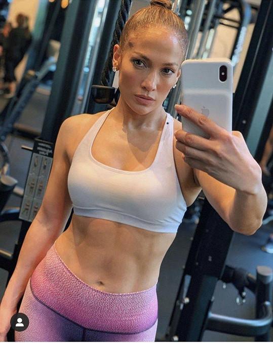 Jennifer Lopez ukázala vytesané svaly.
