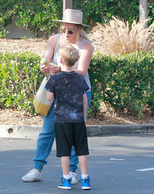 Hilary Duff se synem Lucou