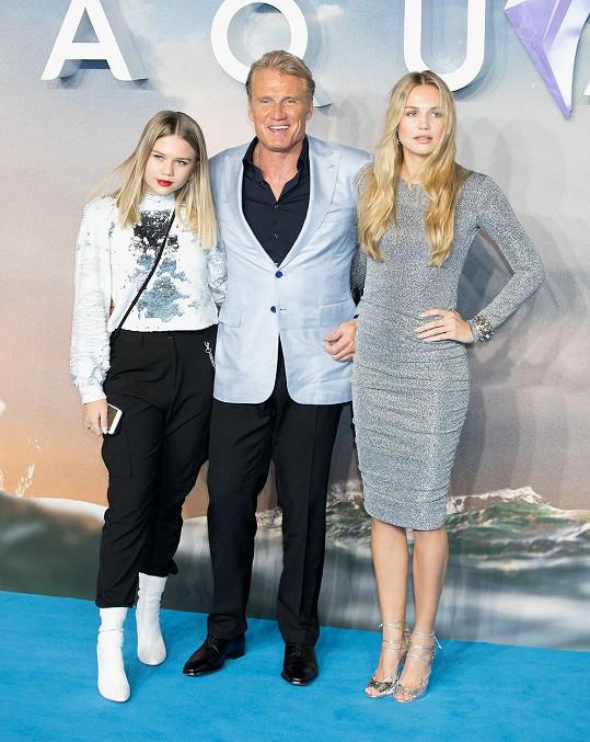 Dolph má ze svého druhého manželství dcery Gretu (vlevo) a Idu.